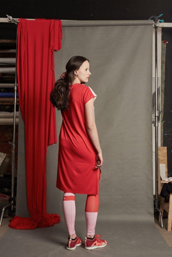 Dizajnové šaty s pásikom 5