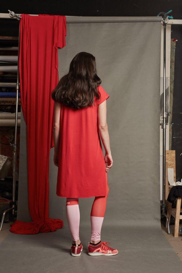 Dizajnové šaty s pásikom 6